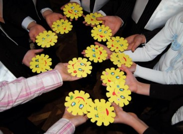 Фестиваль дитячої творчості «Сонечко», благодійна лотерея та виставка робіт дітей з особливими потребами