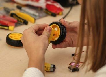 Для школярів Дніпропетровщини відкрили сучасну школу робототехніки